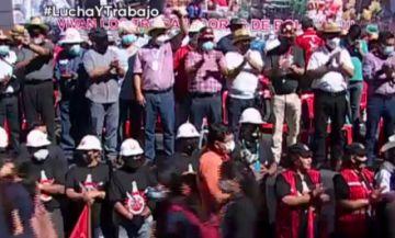 Luis Arce encabeza en Santa Cruz marcha de la COB por el Día del Trabajo