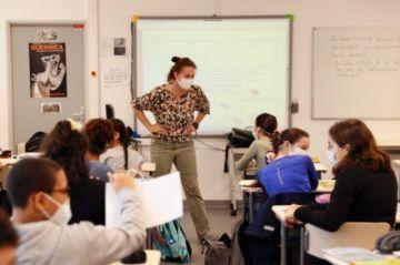Los alumnos de secundaria regresan a las clases presenciales en Francia