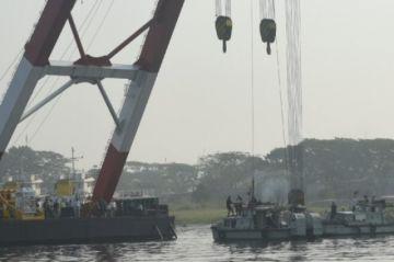 Reportan que hay al menos 26 muertos en un choque de barcos en Bangladés