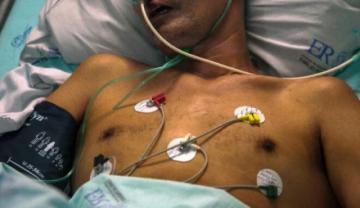 """OPS dice que hospitales están """"peligrosamente llenos"""" y alerta sobre riesgo del covid para adultos jóvenes"""