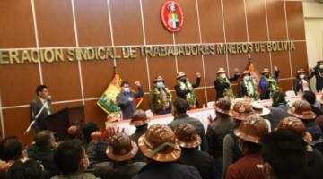 Mineros estrenan nueva sede sindical y se comprometen a defender el Gobierno de Arce