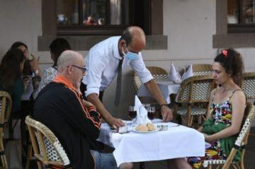 Restaurantes en Francia ante el reto de conseguir empleados para su reapertura