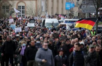 Antimáscaras alemanes se apropian de la imagen de Sophie Scholl, ícono de la resistencia antinazi