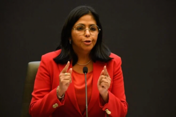 """Gobierno de Maduro tilda de """"gran farsa"""" caso contra Venezuela en la CPI"""