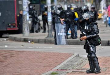 Policía anuncia sanciones contra uniformados por abusos en protestas en Colombia