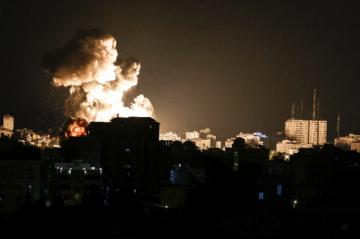 Israel concentra soldados cerca de Gaza e intenta sofocar disturbios en varias ciudades