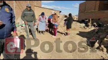 Vecinos impiden la demolición de una vivienda en Villa Mecánicos