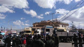 El transporte pesado se moviliza contra la reactivación del tren Arica-La Paz