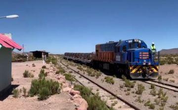 Ferroviaria Andina suspende pruebas del tramo Arica - La Paz y Gobierno espera que se levanten bloqueos