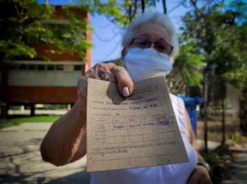 """""""Un ardorcito"""" y listo : Cuba empieza vacunación con su propio antígeno"""