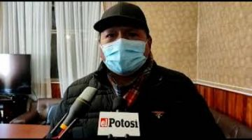 Alcalde inspecciona hospital y verifica falta de personal