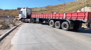 Transporte pesado en Potosí declara cuarto intermedio en su bloqueo carretero