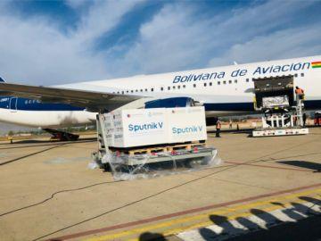 Llegan 400.000 dosis de vacunas Sputnik V a Cochabamba