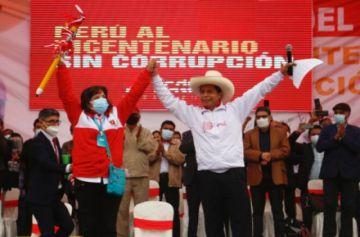 Castillo y Keiko presentan a sus asesores para ganar votos en Perú