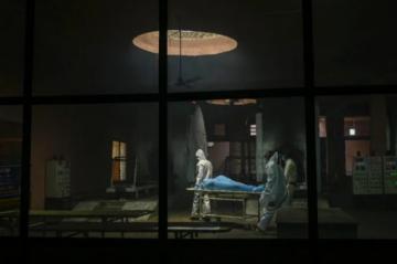 La sobremortalidad causada por la pandemia es mucho mayor a las muertes atribuidas al covid-19, según la OMS