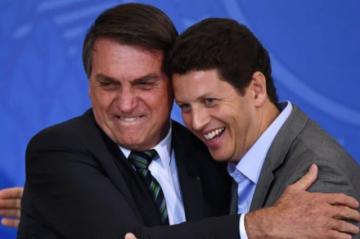 Bolsonaro respalda a ministro sospechoso de facilitar tráfico de madera