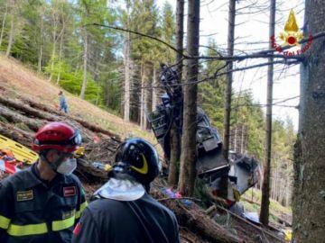Reportan que hay 14 muertos al caer un teleférico a orillas del lago Mayor en Italia