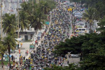 Bolsonaro encabeza una manifestación de motociclistas en Brasil
