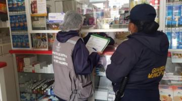 Pese alerta de farmacias, Gobierno descarta desabastecimiento de medicamentos para Covid-19