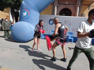 Deportistas promueven el Día del Desafío