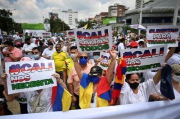 Bloqueos y ataques a misiones médicas escalan protestas en Colombia