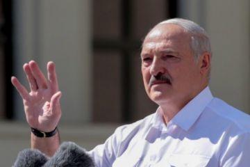 """Bielorrusia actuó """"legalmente"""" y para """"proteger a la gente"""" al desviar el avión, dice Lukashenko"""