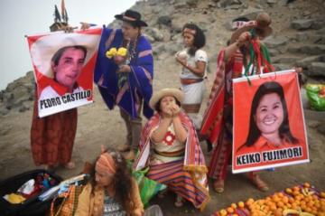 Chamanes peruanos hacen conjuro para conseguir que Castillo derrote a Keiko