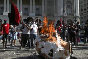 Reportan nueva jornada de protestas callejeras contra Bolsonaro en Brasil