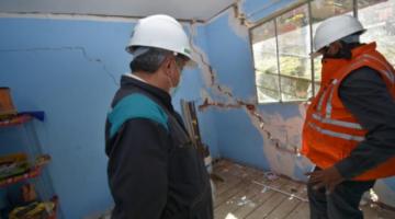 """Reportan que 29 familias son evacuadas en Cotahuma y Alcaldía declara """"alerta roja"""" por rajaduras"""