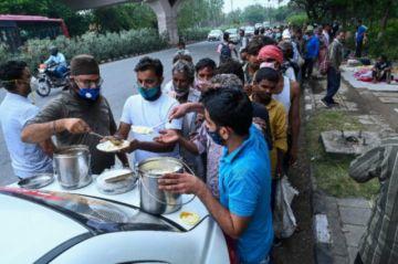 La pandemia sume a millones de indios en la crisis alimentaria