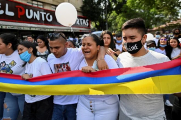 Gobierno y manifestantes sin acuerdos para salir de la violenta crisis en Colombia