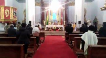 Con medidas de restricción por el covid se desarrolla la misa de Corpus Christi en Potosí