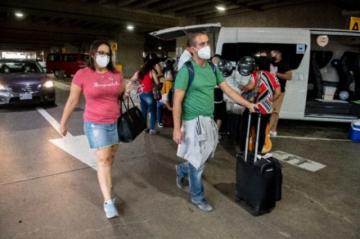 Viajar, vacunarse, volver : Turismo por un día de Costa Rica a EEUU