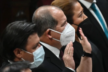 Congreso de Guatemala avaló polémica juramentación de juez de la Corte Constitucional