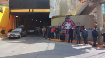 Desesperación e incertidumbre en sitios de vacunación en La Paz; algunos puntos se quedaron sin dosis