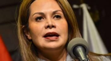 Exministra de Comunicación afirma que Arturo Murillo buscó padrinos para ser Ministro