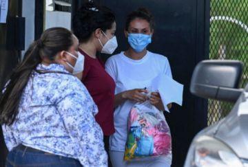 Salvadoreña presa por aborto recupera su libertad