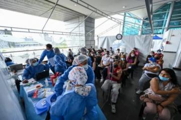 Médicos de Colombia rechazan relajamiento de medidas en pleno pico de pandemia