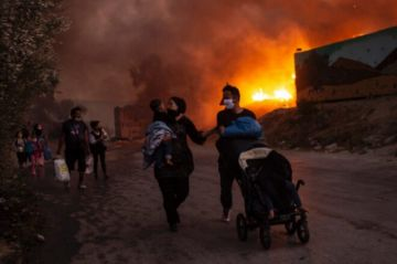Comienza juicio contra cuatro afganos por incendio de campo de migrantes en Grecia