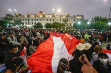 Perú vive otra semana de tensiones sin nuevo presidente