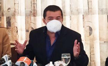 Jhonny Fernández en La Paz dice que viene a 'tender una mano al gobierno'