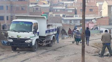 EMAP y vecinos recogen ocho metros cúbicos de basura de Villa Armijo