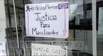 Mujeres activistas demandan justicia para María Lourdes que murió por los golpes de su pareja