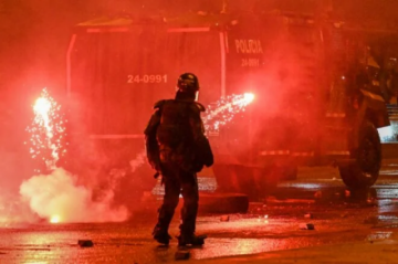 Nueva jornada de protesta contra el gobierno colombiano deja un manifestante muerto