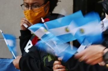 Argentina logra acuerdo con Club de París y evita default en julio