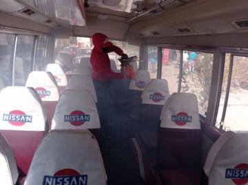 Transportistas desarrollan actividad de desinfección, y aseguran que será constante