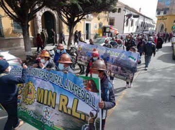 """Cooperativas mineras rurales rechazan que """"grandes"""" cooperativas exploten sus áreas"""