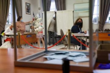 Severo revés para Macron y Le Pen en comicios regionales en Francia