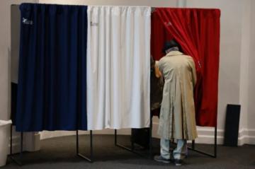 Partidos tradicionales de derecha e izquierda recuperan impulso de cara a presidenciales en Francia
