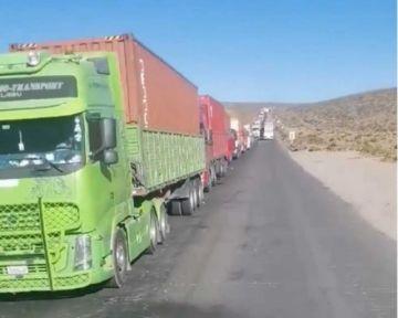 Chile anuncia a Bolivia que buscará descongestionar tráfico en frontera